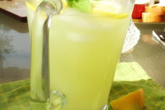 Summertime Basil Lemonade