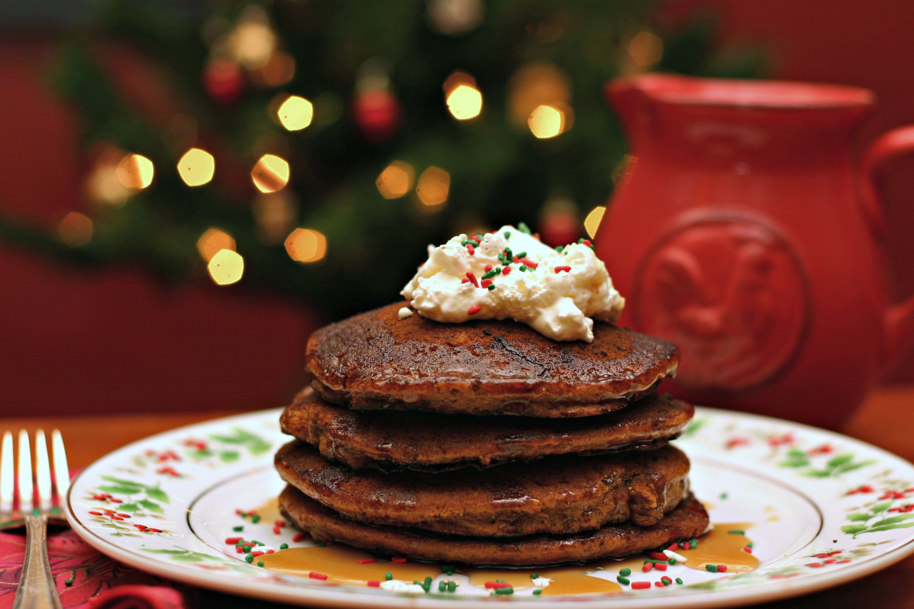 Gingerbread Pancakes | Dishin & Dishes