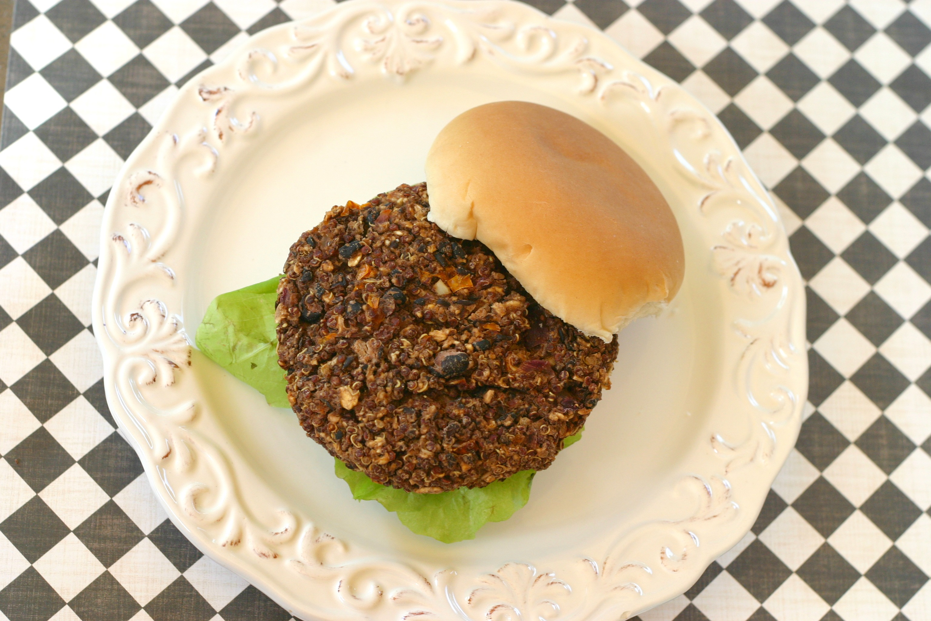 Black Bean Quinoa Veggie Burger