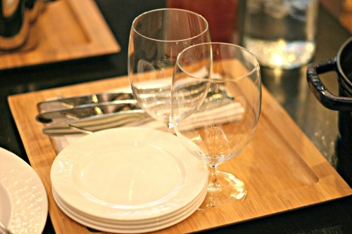 District 21 tableware